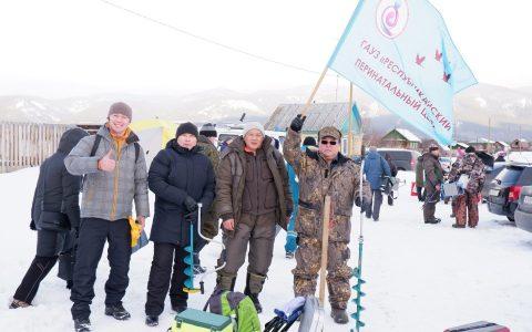Медики на фестивале зимней рыбалки поймали 10 000 граммов рыбы
